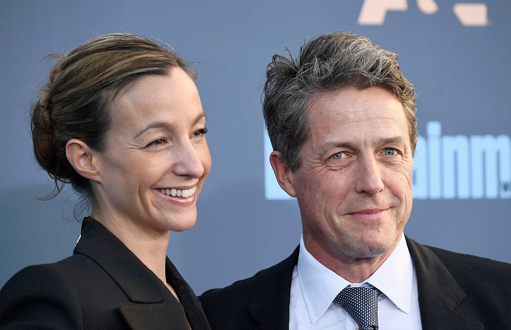 Hugh Grant e Anna Eberstein (Foto: Getty Images)