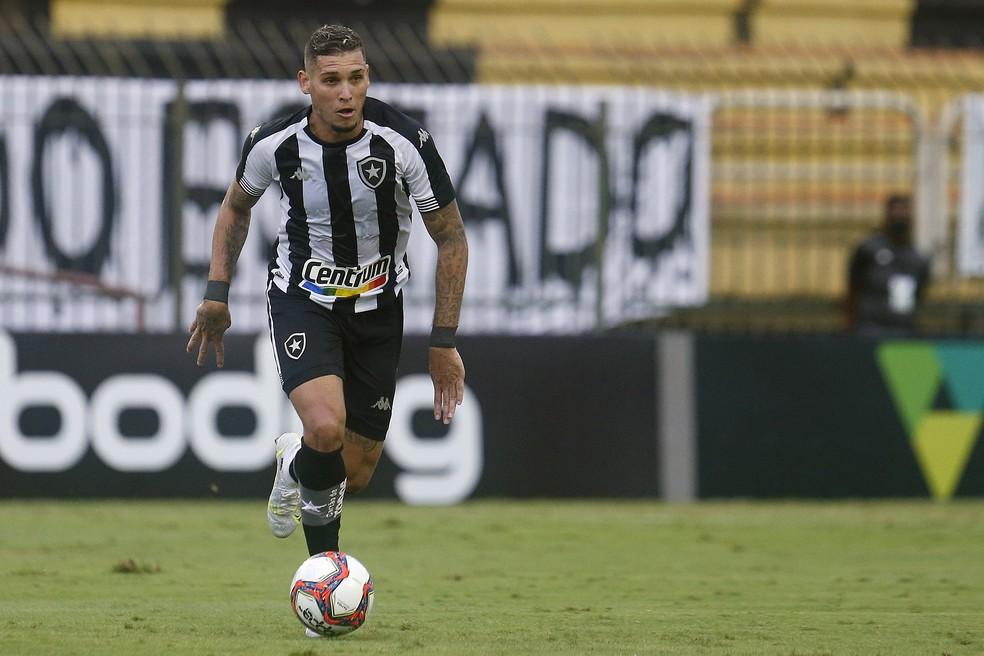 Atacante tem quatro gols na Série B — Foto: Vitor Silva/Botafogo