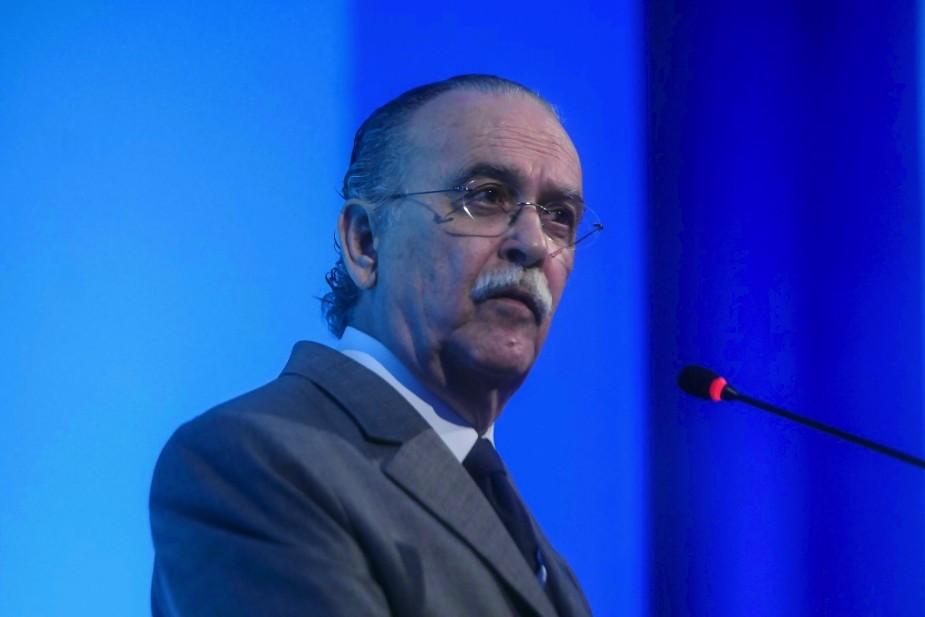 José Roberto Mendonça de Barros avalia que as crises provocadas pelo presidente Bolsonaro afetam a economia