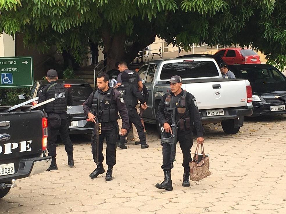 Polícia cumpre mandados no Piauí, Maranhão e São Paulo pela Operação Codinomes. — Foto: Murilo Lucena/TV Clube