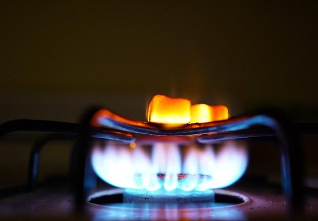 Fogo, fogão, cozinha (Foto: Pexels)