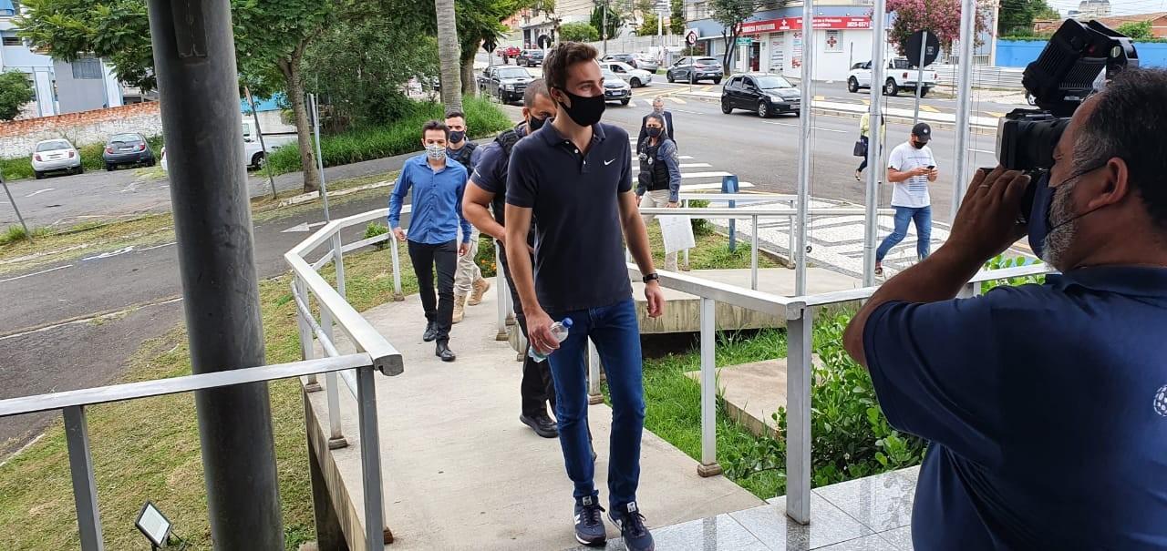 Dois vereadores e outros três presos suspeitos por corrupção em Ponta Grossa são transferidos para prisão especial