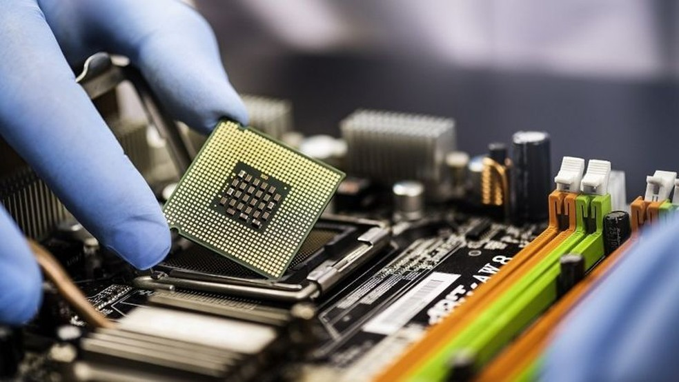 China é o maior produtor de chips do mundo e tem priorizado seu mercado interno na retomada — Foto: Getty Images/Via BBC