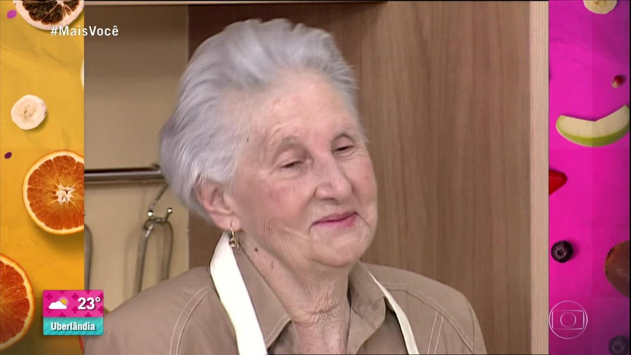 Ana Maria Braga se emociona ao ver a mãe