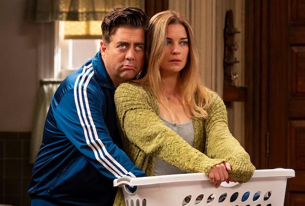 Eric Petersen e Annie Murphy em 'Kevin can f**k himself' (Foto: AMC)