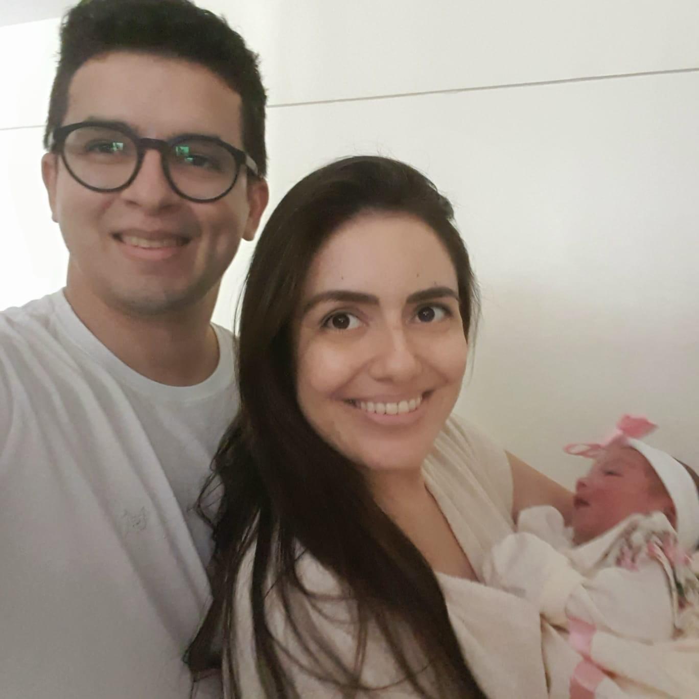 Mulher dá à luz dentro de elevador de condomínio da Grande Natal: 'Quando eu vi já estava nascendo', diz o pai