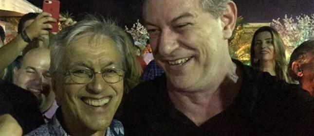 Caetano e Ciro na festa de 292 anos de Fortaleza, em abril