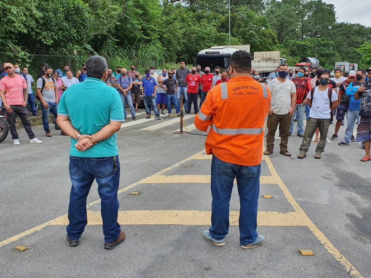 Sindicato cobra respostas após demissão de 180 metalúrgicos de empresa terceirizada em Cubatão