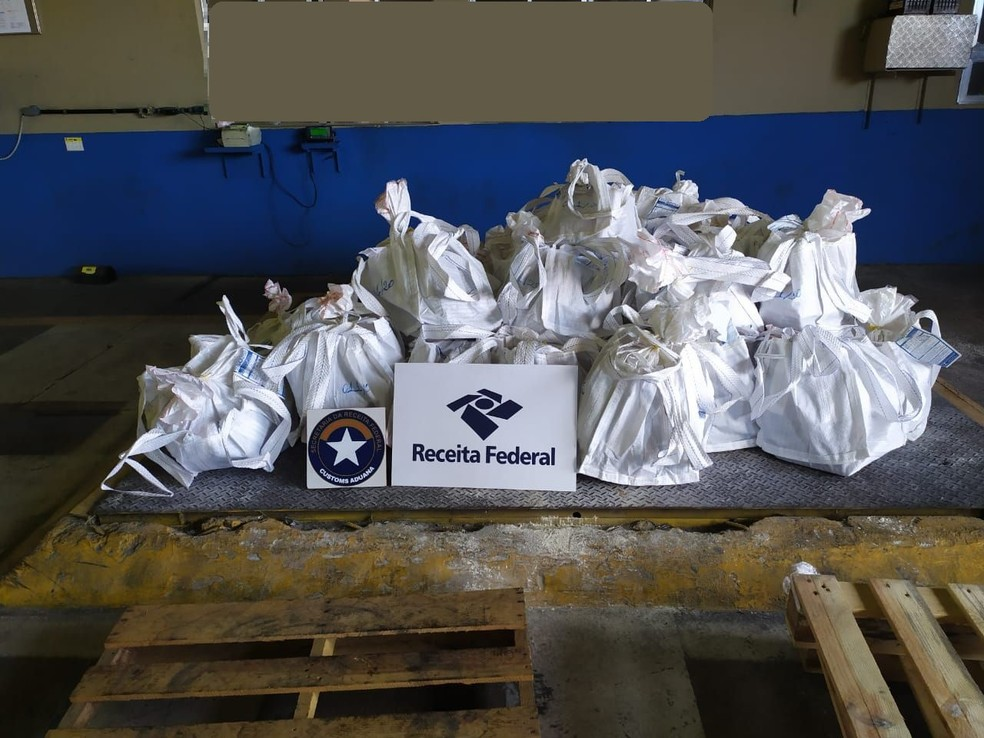 Santos Customs locates almost 2 tons of cocaine in the Port of Santos, SP - Photo: Disclosure / IRS