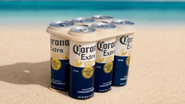 Nova embalagem da cerveja Corona com fibras de biodegradáveis à base de plantas  (Foto: Divulgação)