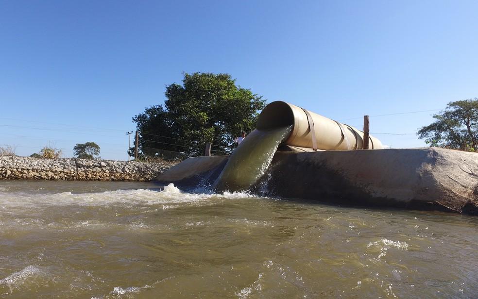 Polícia Civil diz que fazenda captava 11 mil metros cúbicos de água por hora do Rio Araguaia, em Goiás (Foto: Divulgação/Dema)
