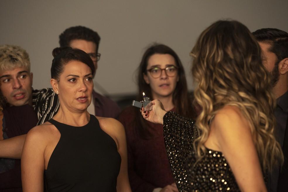 Nana (Fabiula Nascimento) xinga Silvana (Ingrid Guimarães) em 'Bom Sucesso' — Foto: Isabella Pinheiro/Gshow