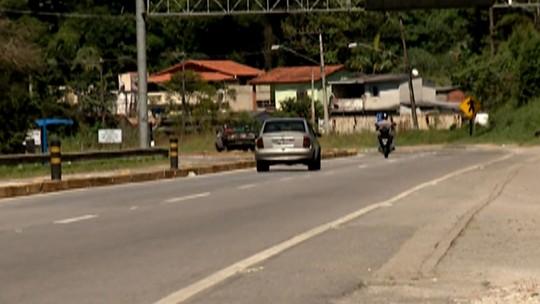 Mogi-Bertioga tem trânsito intenso em toda a extensão, mas sem pontos de lentidão na saída para o feriado de Páscoa