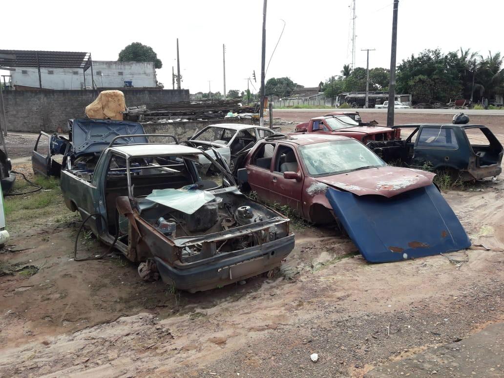Quatro sucatarias são notificadas por despejo irregular em via pública de Macapá