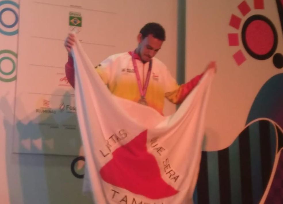 Leandro Guimarães subiu ao pódio em Santa Catarina — Foto: Haroldo Carvalhido