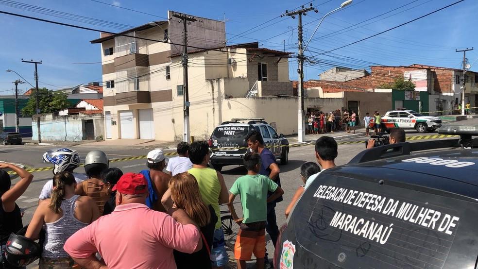 Jovem é morta com tiro na cabeça em Maracanaú — Foto: Paulo Sadat/ Sistema Verdes Mares