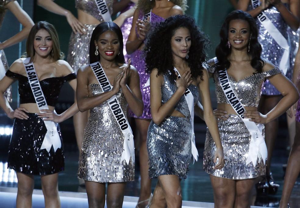 Brasileira Monalysa Alcântara (3ª na foto) ficou entre as top 10 do Miss Universo 2017  (Foto: AP Photo/John Locher)