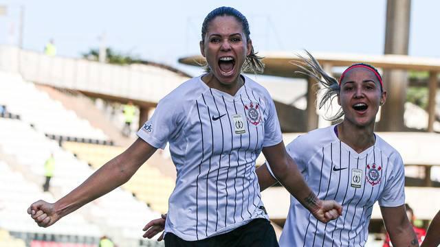 Brasileirão Feminino: Corinthians vence Flamengo e encaminha vaga na final