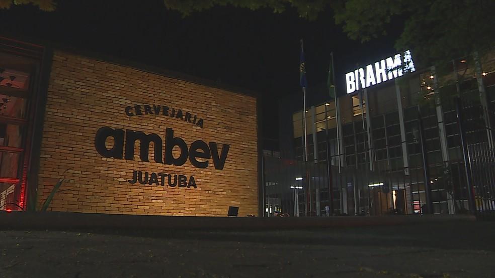 Explosão em tanque de cerveja assusta funcionários da Ambev, em Juatuba, na Grande BH