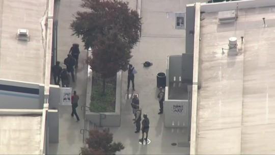 Polícia investiga motivação de ataque a tiros na Califórnia
