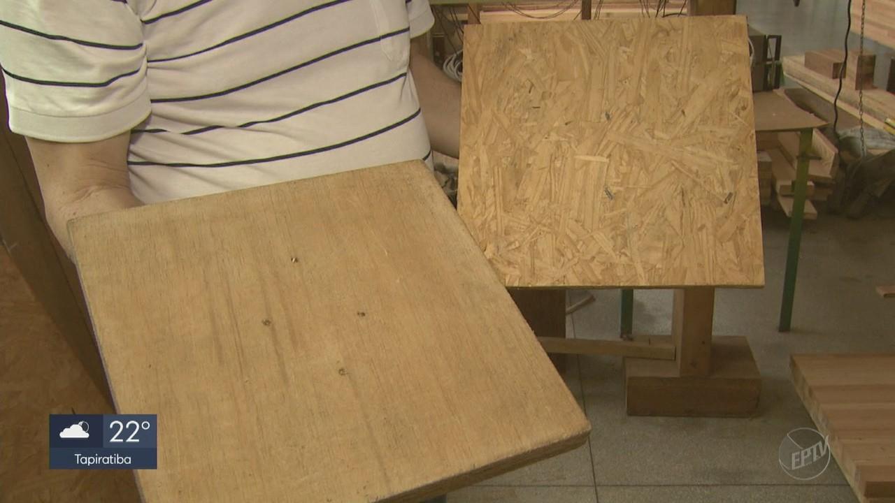 Pesquisadores de São Carlos transformam rejeitos de madeira em artigos de construção