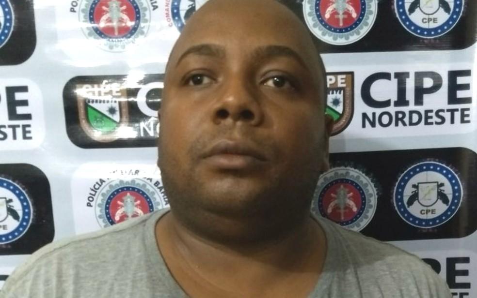 Homem foi preso e ofereceu R$ 10 mil para ser solto por policiais (Foto: Divulgação/SSP-BA)