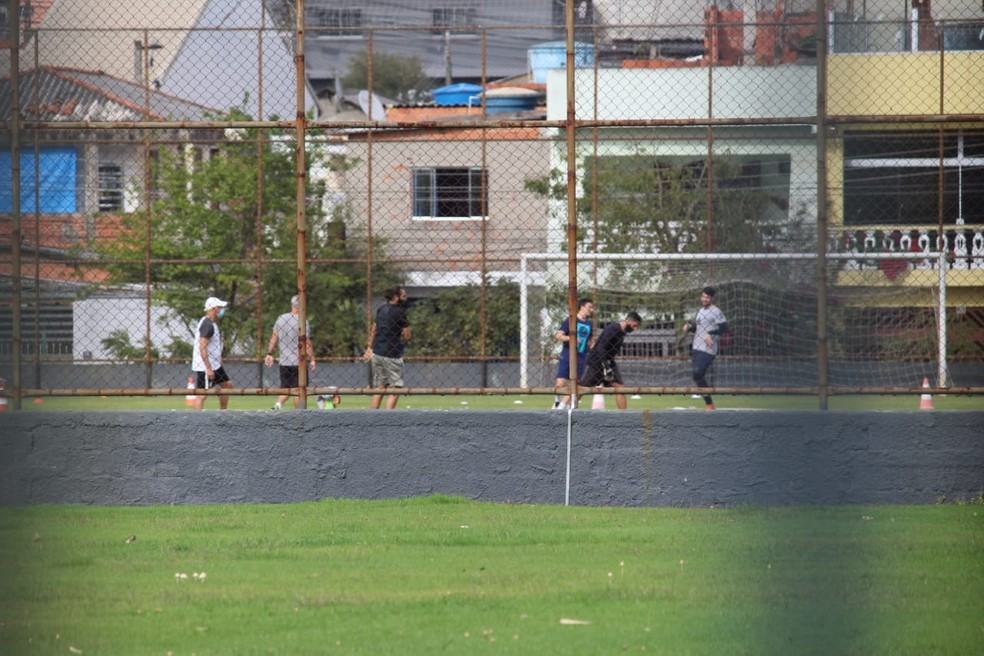Oeste chego a treinar escondido  — Foto: GloboEsporte.com