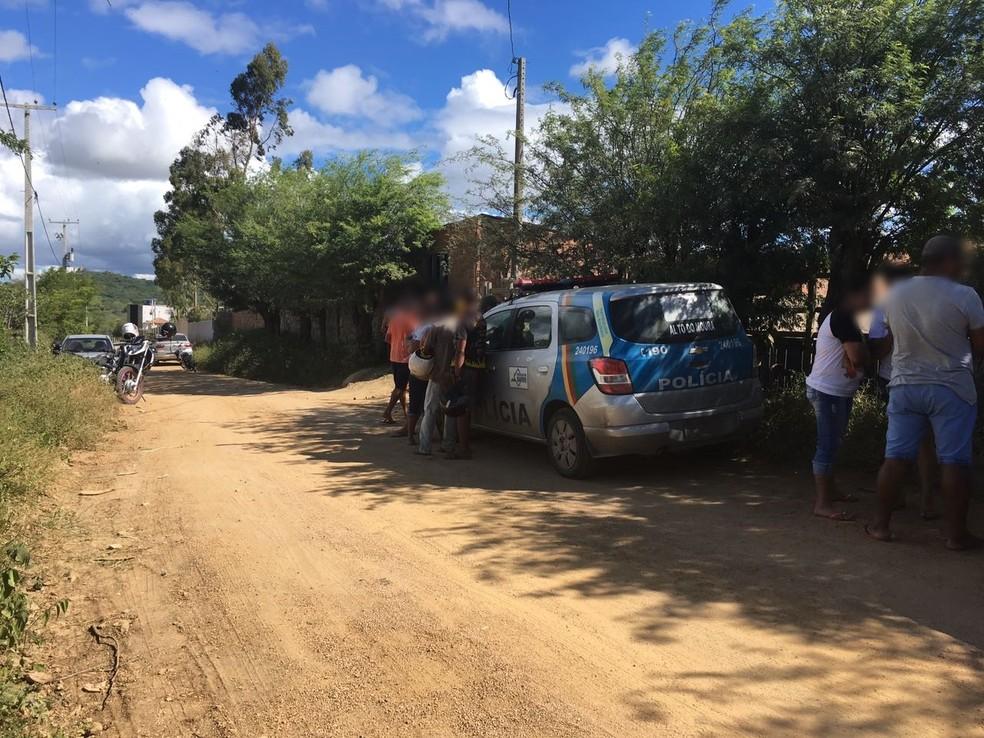 Crime ocorreu no fim da manhã desta quinta-feira (17) (Foto: Ana Rebeca Passos/TV Asa Branca)