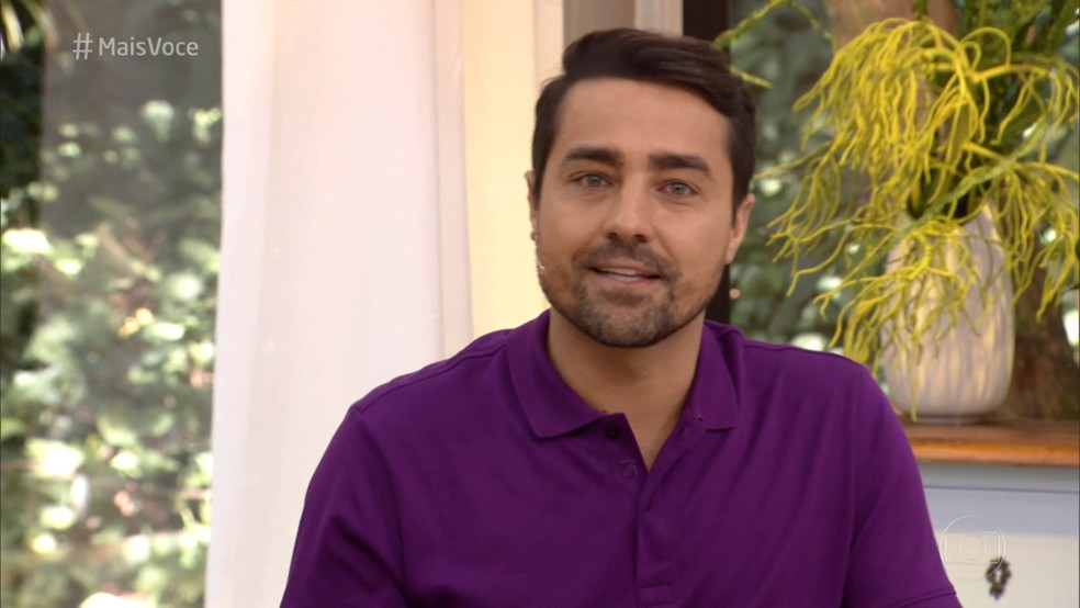 Ricardo se emocionou ao lembrar quando contracenou com Domingos em 'Joia Rara' — Foto: TV Globo