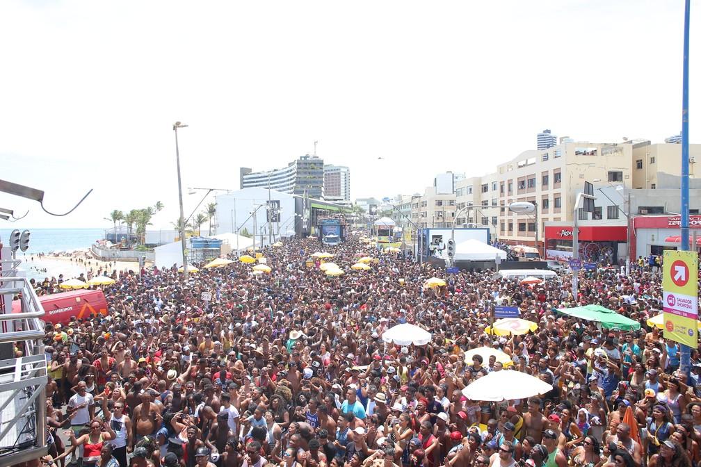 Festa reúne milhares de pessoas na orla de Salvador. Foto tirada em 2019 — Foto: Júnior Improta/Ag Haack