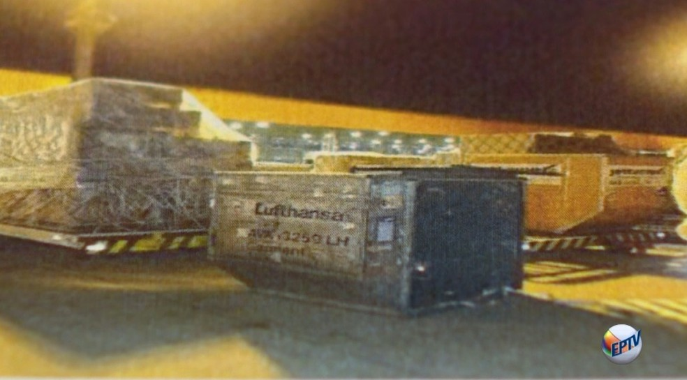 Dinheiro roubado em Viracopos estava em container — Foto: Reprodução / EPTV