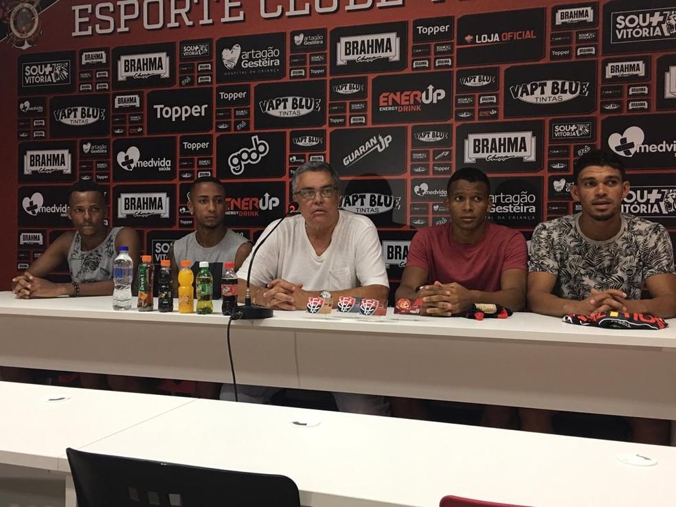 Vitória apresentou pacote de reforços com; Romisson, Gabriel Bispo, Edvan e Ítalo em 2019 — Foto: João Salvador