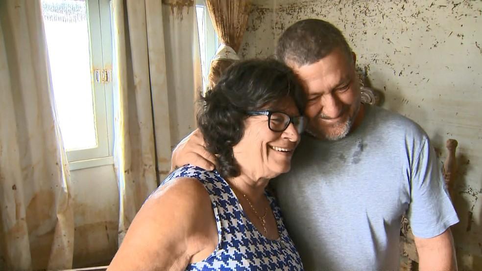 O motorista Edino Caldanho achou que tivesse perdido 'os melhores vizinhos' — Foto: Reprodução/TV Gazeta