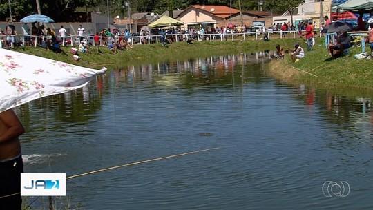 Moradores de Senador Canedo se reunem para pescar em lagos da cidade