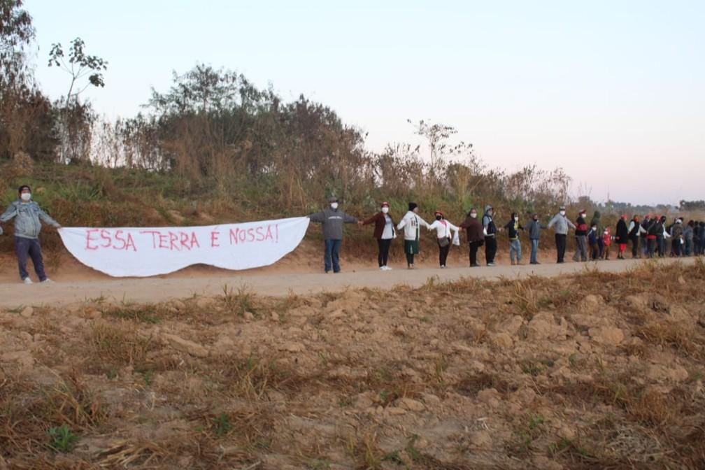 Polícia Militar cumpre ordem judicial para reintegração de posse de área de usina em Campo do Meio — Foto: Reprodução