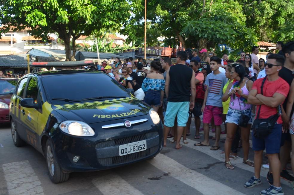 Fiscalização dos ógãos de segurança pública esteve presente nos dois espaço do Carnalter  (Foto: Fábio Cadete/G1)