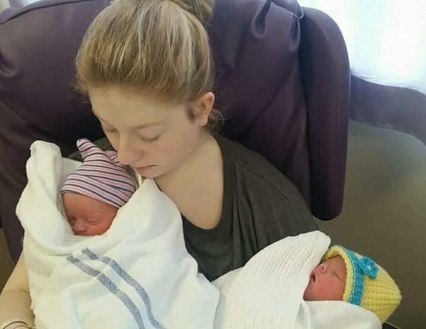 Beth com as filhas gêmeas (Foto: divulgação)