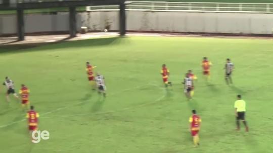 Weverton, goleiro do Palmeiras, brilha como atacante e marca golaço em jogo solidário no AC; veja vídeo