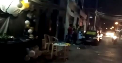Festa é encerrada em rua do bairro da Boca do Rio, em Salvador