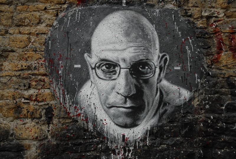 Resultado de imagem para Michel Foucault: as ideias de poder e a filosofia do pensador francês