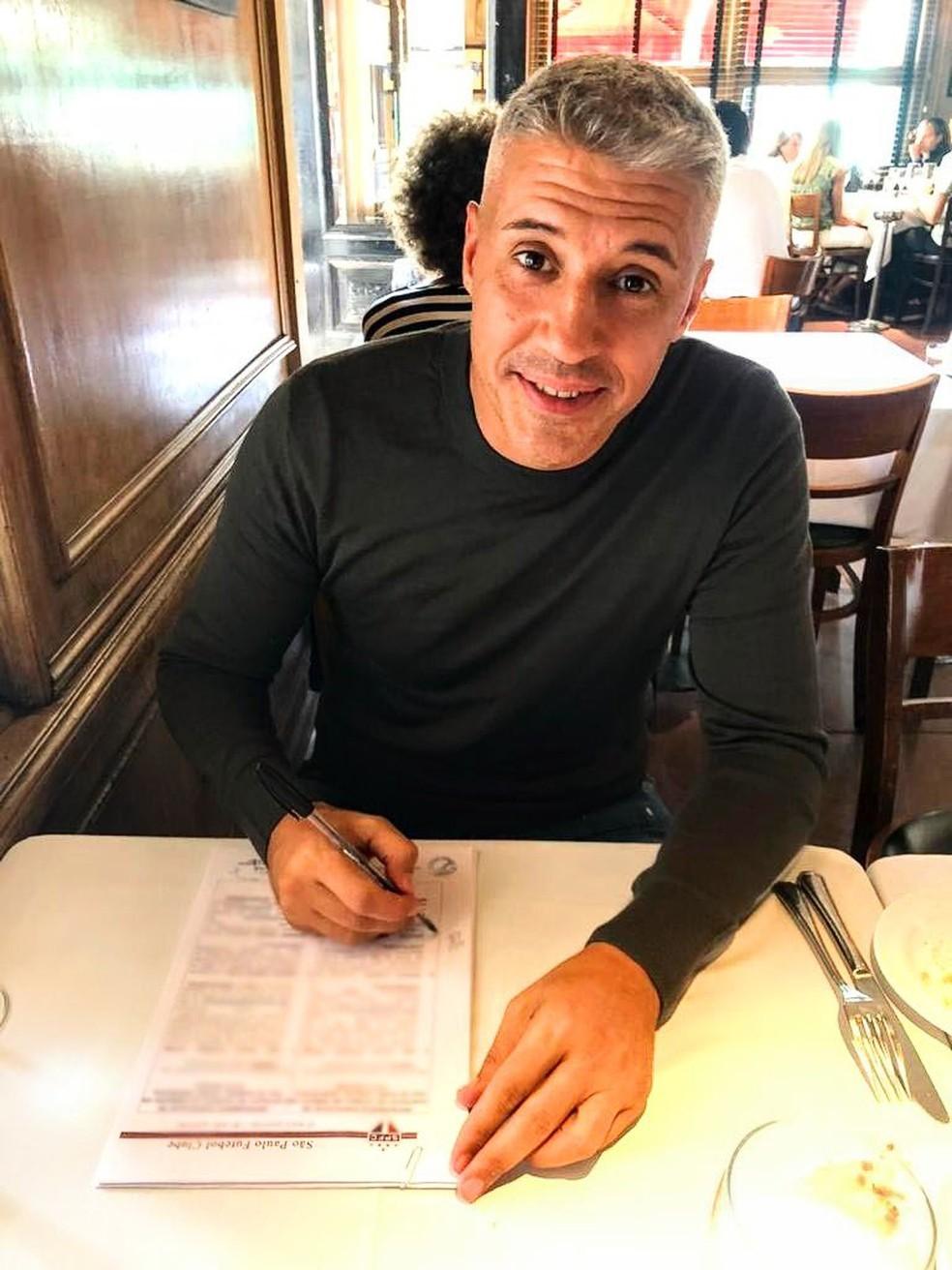 Hernán Crespo assina contrato com o São Paulo — Foto: Divulgação/São Paulo
