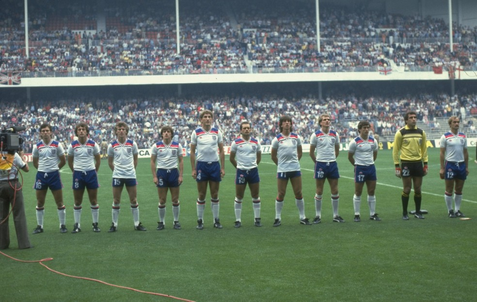 Uniforme da Inglaterra na Copa do Mundo de 1982 (Foto  Allsport UK  Allsport d29936673ae93