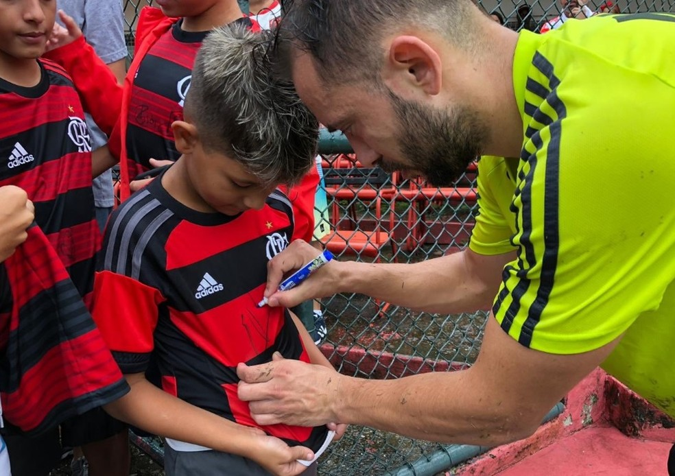 Fora dos últimos dois jogos, Everton Ribeiro está bem para Libertadores — Foto: Flamengo / Twitter