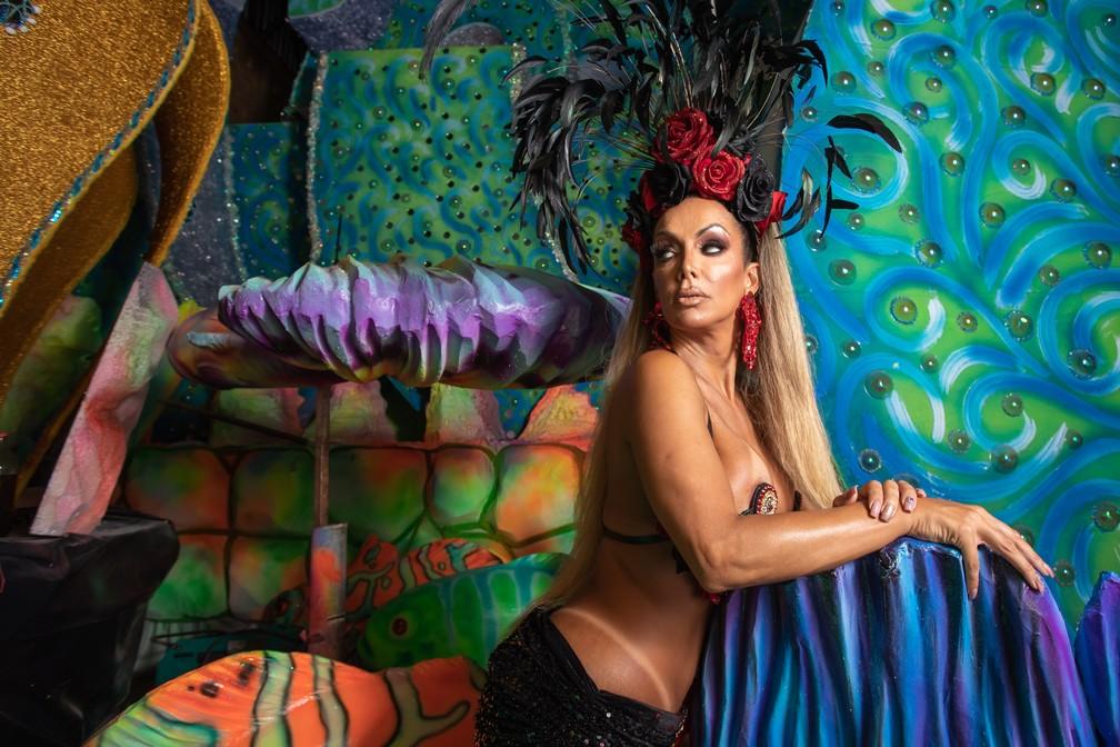 Camila Prins é a primeira madrinha transexual de uma escola de samba do Grupo Especial do carnaval — Foto: Celso Tavares/G1