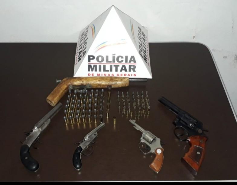 Homem é preso com cinco armas de fogo em distrito de Cuparaque