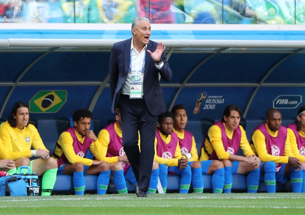 Tite comanda o Brasil contra a Costa Rica (Foto: Reuters)