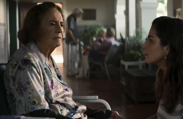 Na quinta (3), Matilde (Laura Cardoso) será apresentada a Maria da Paz e lembrará da boleira (Foto: Reprodução)