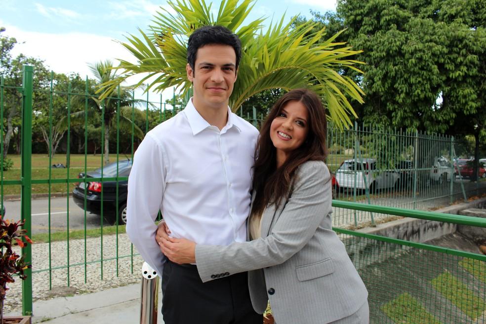 Eric e Maria Pia são cúmplices e têm uma relação de amizade...   (Foto: Letícia Souza/Gshow)