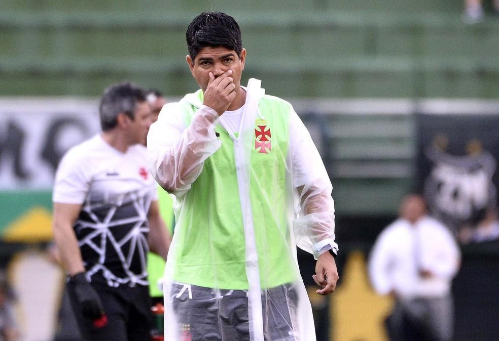 Valadares em sua última partida desta passagem pelo profissional do Vasco — Foto: Marcos Ribolli/GloboEsporte.com
