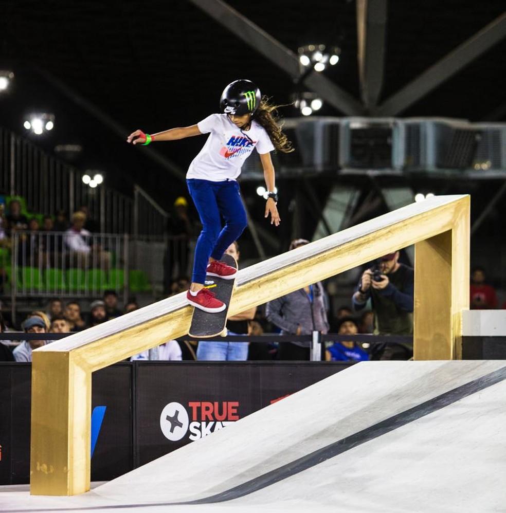Rayssa Leal em manobras na competição mundial — Foto: Paulo Macedo